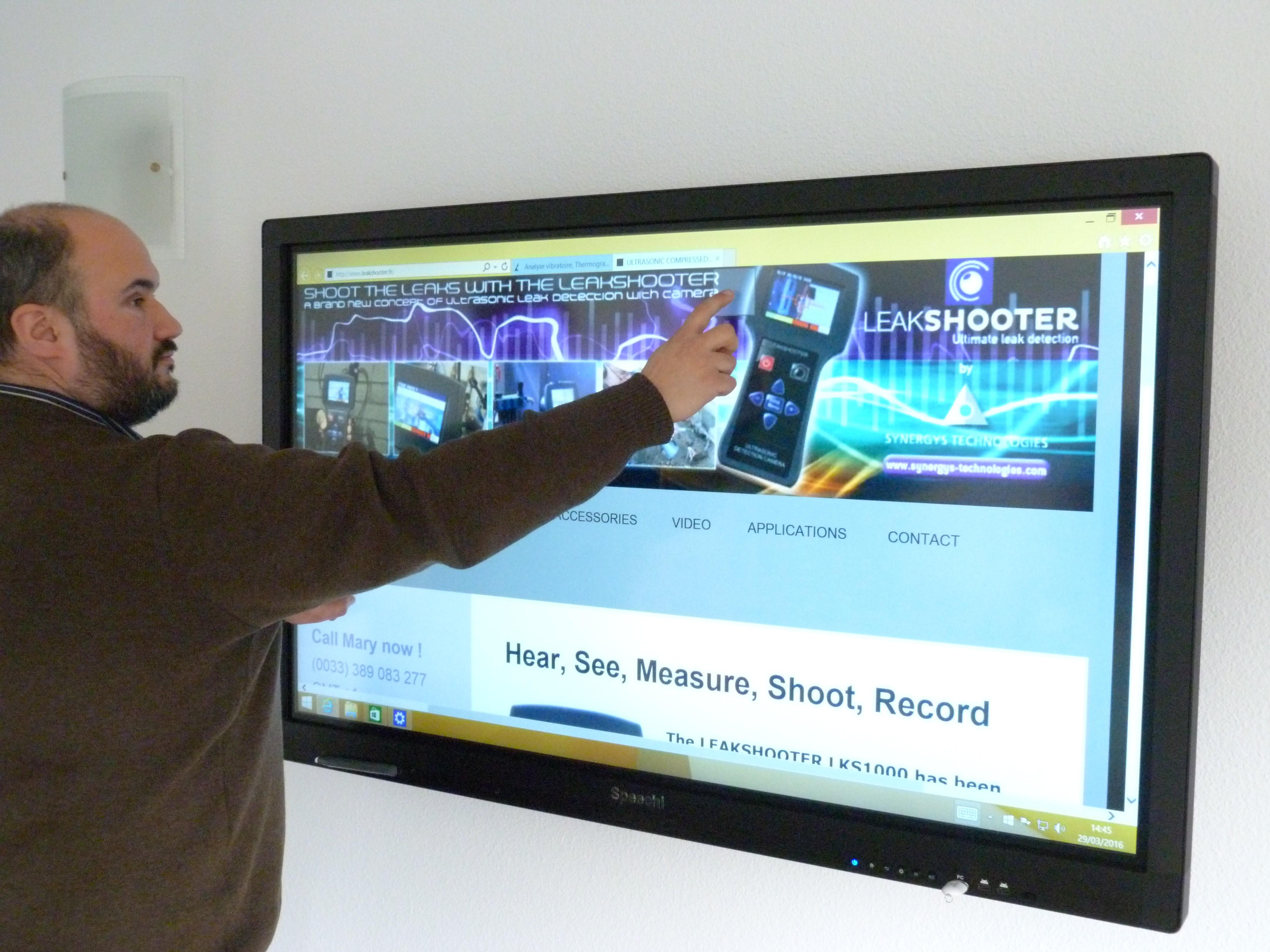 installation ecran interactif SpeechiTouch SYNERGYS TECHNOLOGIES