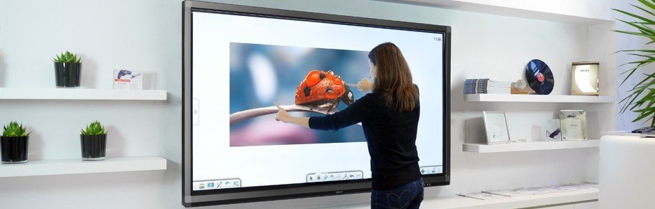 Ecran tactile interactif hd et uhd g ant 86 speechitouch for Ecran numerique photo