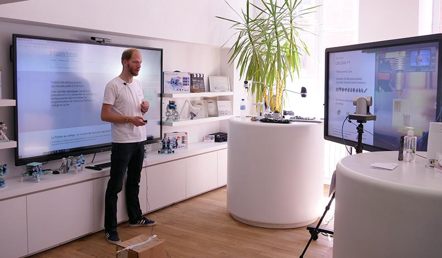 un écran interactif pour formation à distance