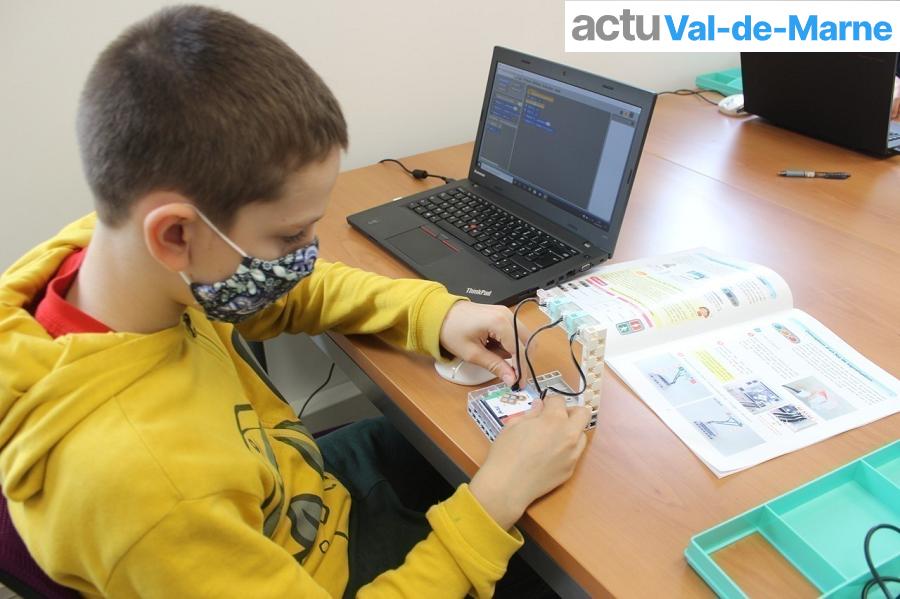 école Algora de Saint-Maur-des-Fossés propose des ateliers de codage et de robotique